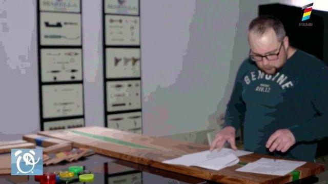 Transformă lemnul într-o poveste adevărată. Un tânăr talentat creează mobilă în 3D