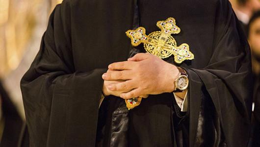 Не мир, но меч: священник разбушевался на похоронах