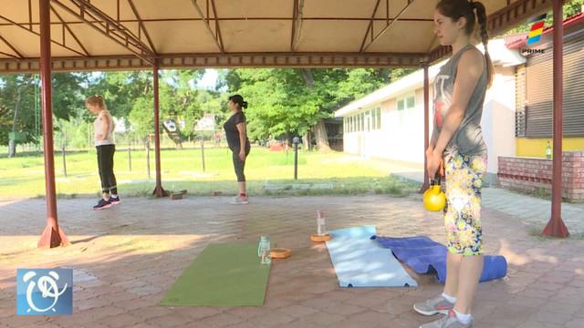 Antrenamentele în aer liber, tot mai preferate de moldoveni. Cum poți să-ți tonifiezi corpul în parcul de lângă casă