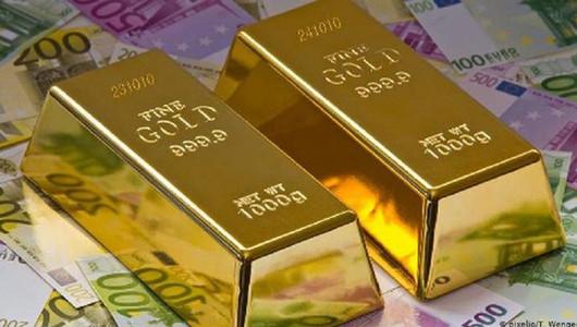 Prețul aurului a atins un record istoric la nivel mondial. Aflați cât costă o uncie astăzi