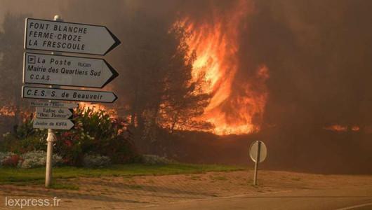Incendiile de vegetație din sud estul Franței continuă să avanseze cu o forță de neoprit. Flăcările au distrus în jur de o mie de hectare