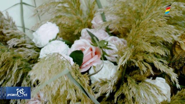 Decor din iarbă de pampas. Ce trebuie să știi despre regina plantelor decorative