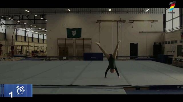 Povestea celei mai bătrâne gimnaste din lume. La 95 de ani arată ca la 20