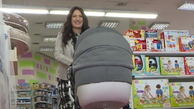 Carolina Gorun este însărcinată! Echipa Prima Oră a provocat-o pe viitoarea mămică să meargă la shopping