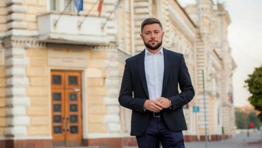 Viceprimarul Capitalei, Victor Chironda, acuzat de incoerență și abuzuri în domeniul publicității stradale