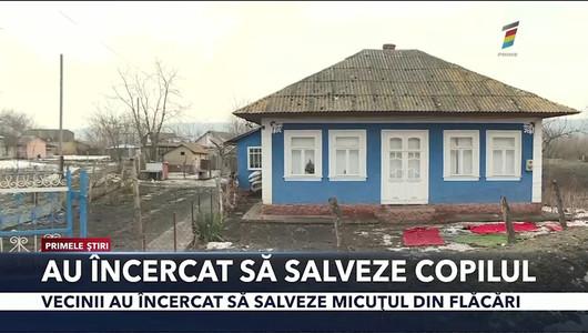 Detalii noi în cazul incendiului de la Drochia în care a murit un copil de doi ani. Vecinii ar fi încercat să-l salveze pe micuț