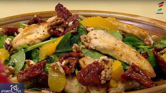 Rețeta de la Prima Oră. Cum pregătim salată cu piept de pui și spanac