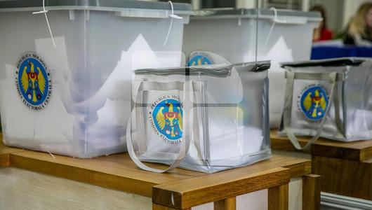 Se caută bani pentru alegeri. Guvernul a alocat puțin peste jumătate din bugetul cerut de CEC