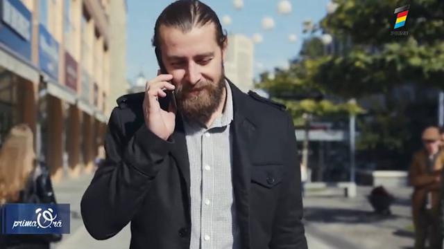 DE CE NE MIȘCĂM ATUNCI CÂND VORBIM LA TELEFON? Iată câteva explicații curioase