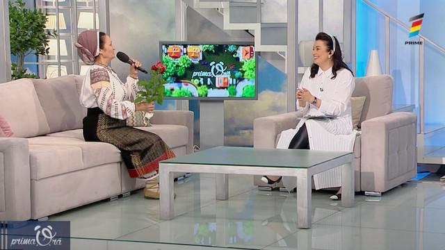 Discuție de suflet cu Ioana Căpraru. Pe lângă muzică a început să brodeze