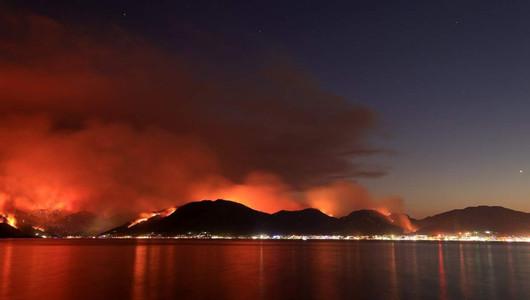 Турция попала во власть пожаров