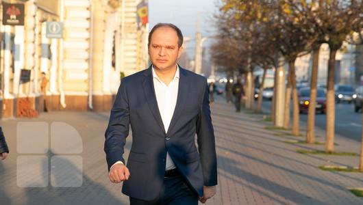 Edilul Capitalei, Ion Ceban, susține că este filat, iar în spatele acestor presiuni ar sta PAS, care încearcă să-l denigreze