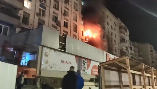 Chișinăul în flăcări! Un alt incendiu a izbucnit noaptea trecută într-un apartament din sectorul Râșcani al Capitalei (VIDEO)
